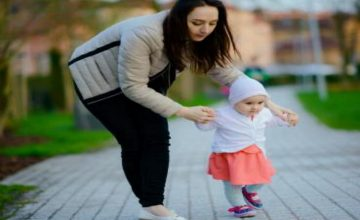 Teach Your Baby to Walk: 3 Techniques to Adopt